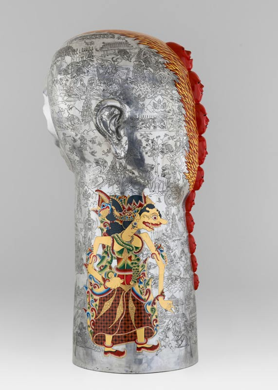 Dadang Christanto, Dasamuka with Sex, Love and Violence, 2013, cast aluminium, enamel, gold leaf, 200x120x120cm