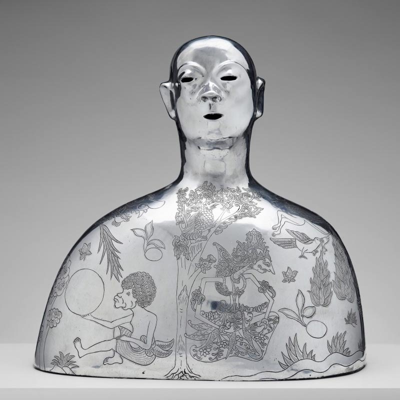 Dadang Christanto, Missing, 2013, cast aluminium, enamel, gold leaf, 60x60x45cm