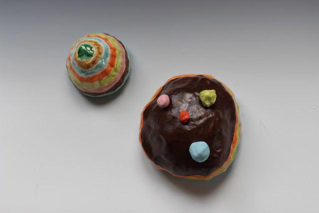 Lynda Draper, Pam And Fran, 2014, Earthenware And Glaze, 12x12x12cm & 18x18x11cm